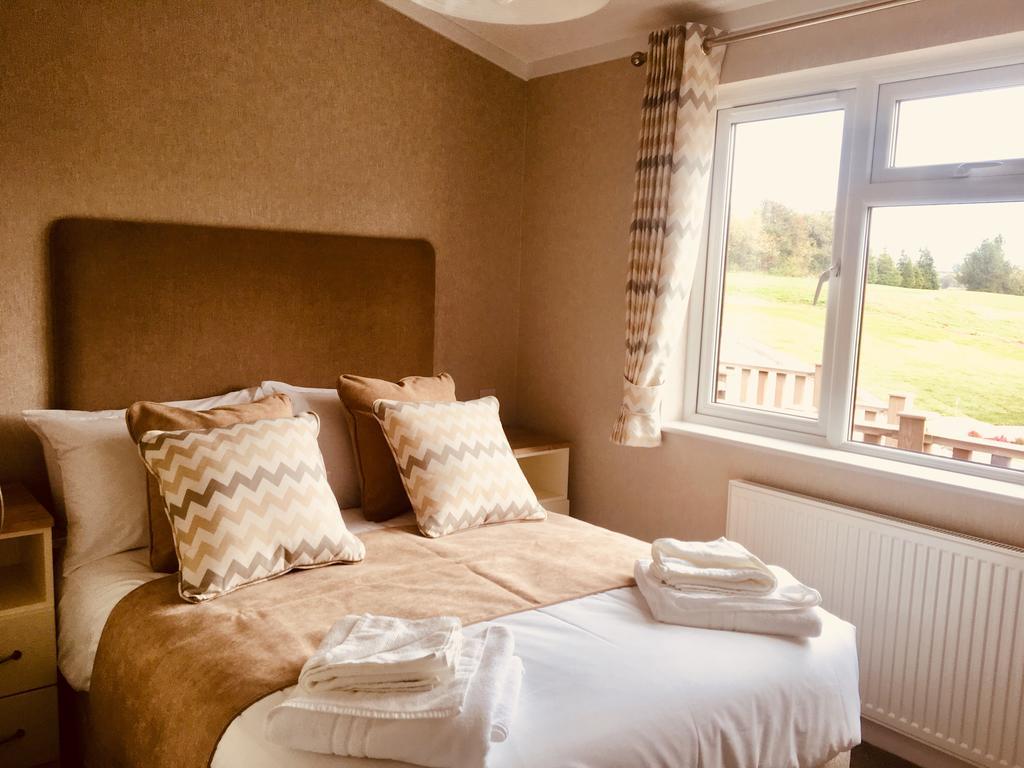 Saunton bed 1